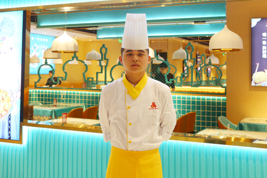成功学子张文杰:成功,从走向陕西新东方烹饪学校开始