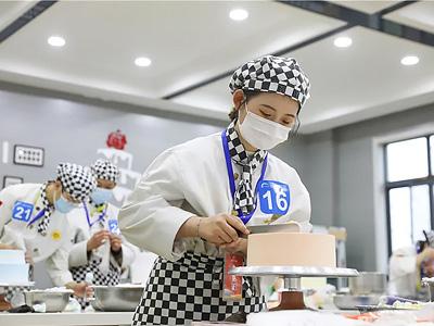 直击现场|热烈祝贺陕西新东方西点西餐技能比赛成功举办!