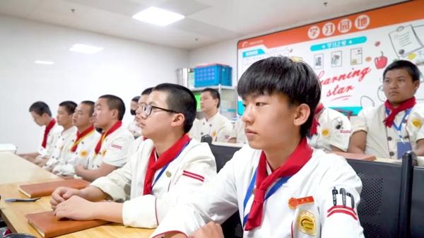 陝西草莓视频污下载免费新生專訪-金佳輝