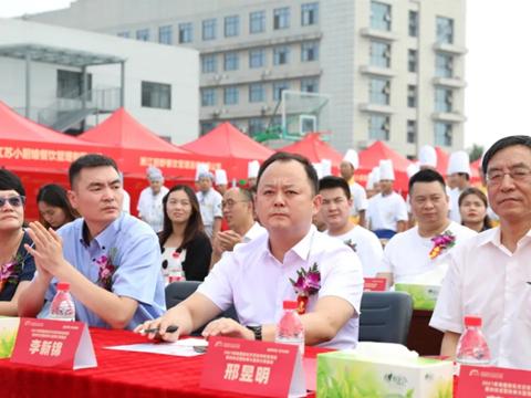 多家媒体争相报道!陕西新东方2021年大型预订双选会盛大启幕!