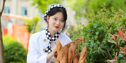 西安學烘焙哪個學校好 學西點烘焙去哪比較好
