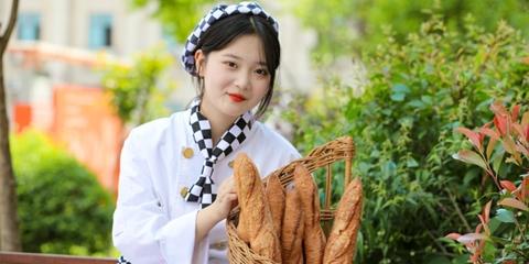 去哪里学做面包好