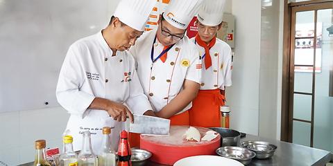 新东方厨师学校学费是多少