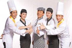 学厨师必须要考厨师证吗?