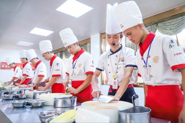 专业的厨师学校-陕西新东方烹饪学校