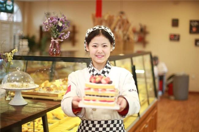 学蛋糕烘焙就选陕西新东方西点学院