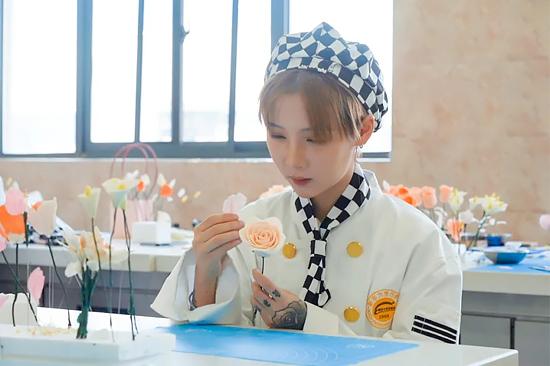 【新生证言】因为梦想,她跨越千里从杭州来陕西新东方烹饪学校求学!